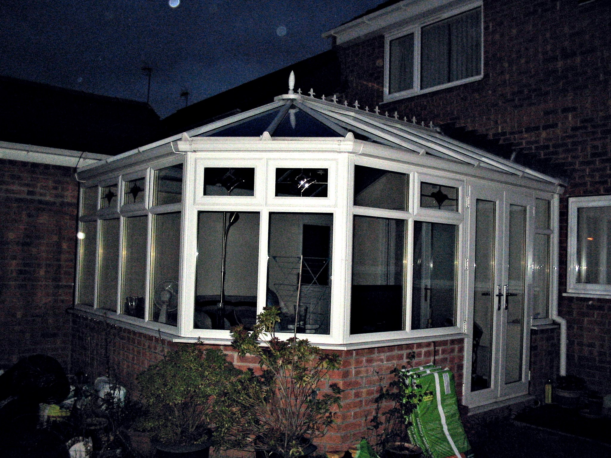 Sealed units and conservatories glacier roofline windows for Windows doors and conservatories